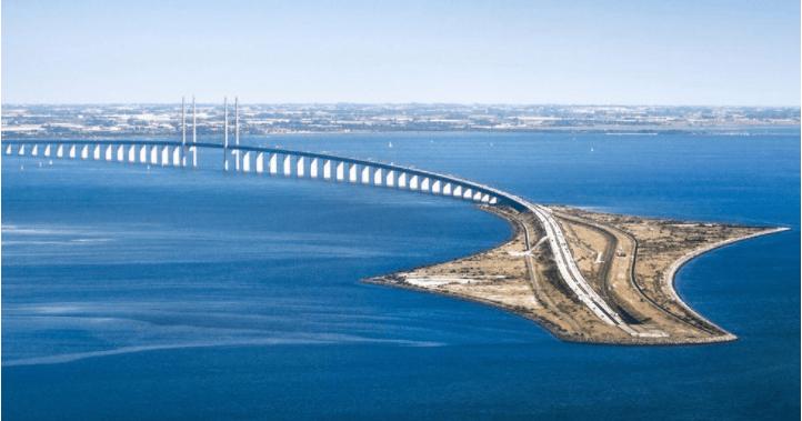 Øresund bridge connecting Denmark and Sweden
